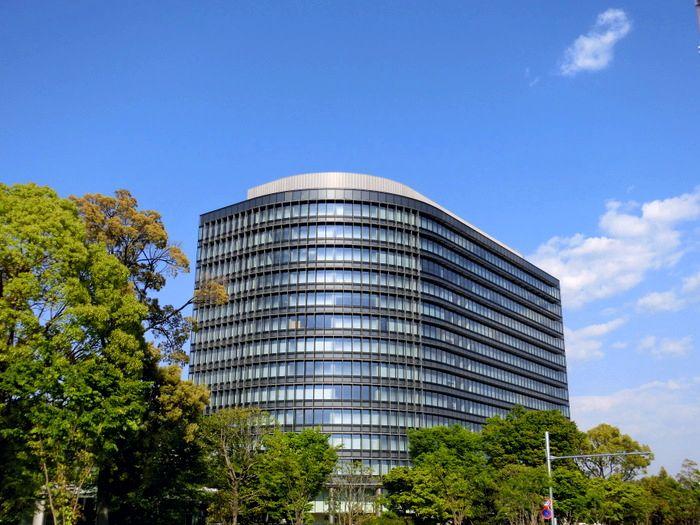 自動車メーカー11社の本社ビル一覧